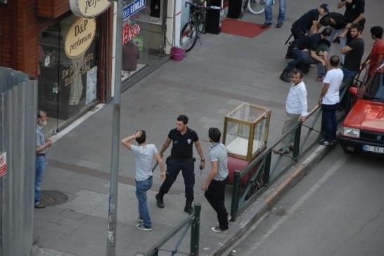FAZLA BÜYÜMEDEN POLİS MÜDEHALE ETTİ