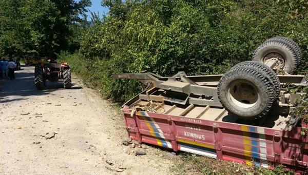 Traktör römorku devrildi,  bir çocuk hayatını kaybetti