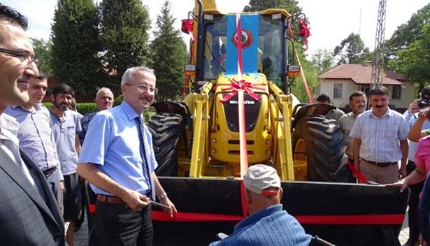 Orman köylüsüne iş makinesi desteği