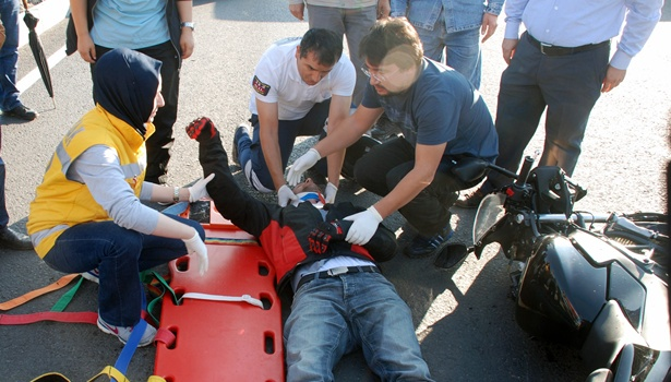 Ereğli´de, tır motosikletle çarpıştı: 1 yaralı