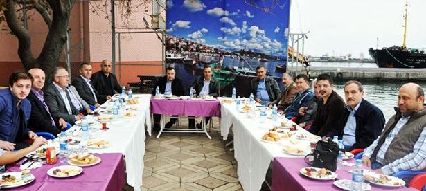 Başkan Uysal, meclis üyeleriyle kahvaltıda buluştu