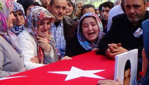 Hakkari'de hayatını kaybeden asker toprağa verildi