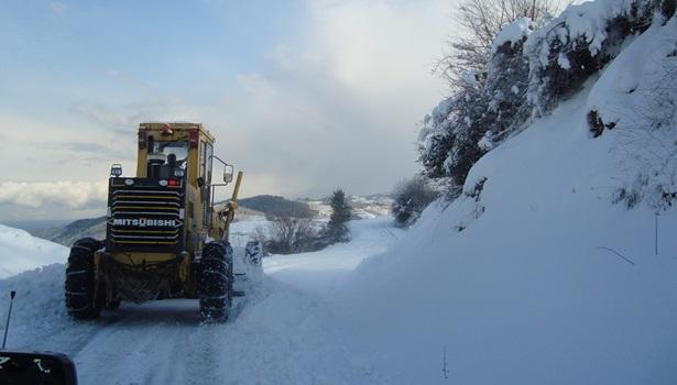 Ereğli´de kar yağışı 29 köyü ulaşıma kapattı