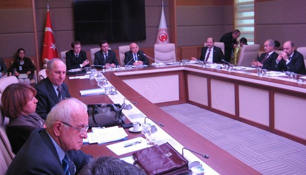 Komisyon görüşmeleri devam edecek