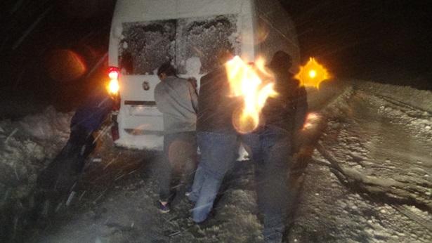Zonguldak-Ereğli karayolu'n da araçlar mahsur kaldı