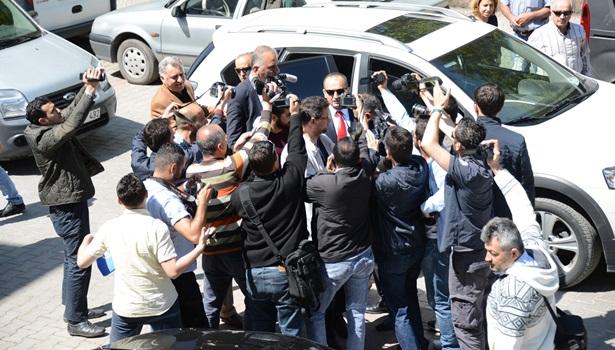 Adliyeye teslim olan savcı aziz takcı, Mersin'e gönderildi