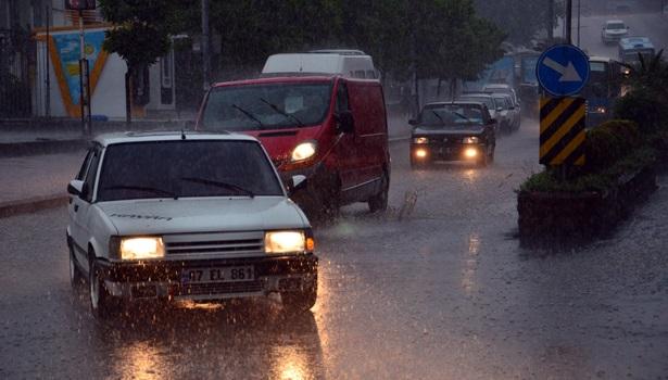 Batı Karadeniz´de kuvvetli yağış alarmı