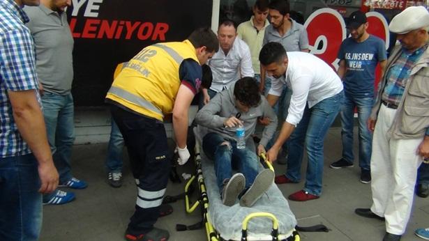 Ereğli'de kaza motosikletli kurye yaralandı