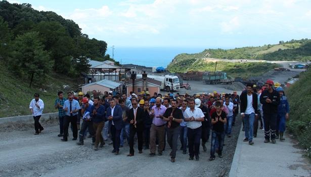 Hema'da madenciler iş bıraktı