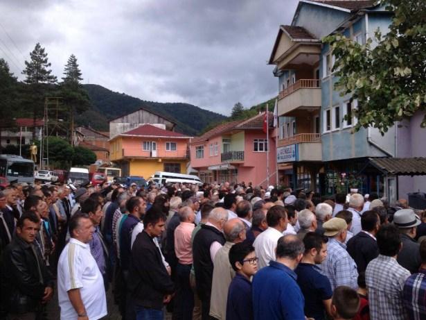 Kıbrıs gazisi, askeri törenle son yolculuğuna uğurlandı