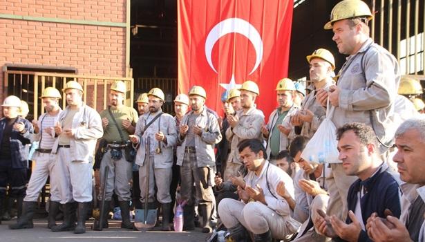 Madenciler, şehitler için dua etti