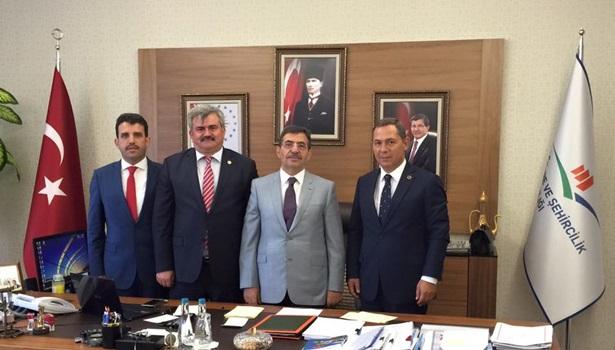 Çaturoğlu, Çevre ve Şehircilik Bakanı İdris Güllüce´yi ziyaret etti