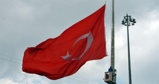3 gün yas ilan edildi, Bayraklar yarıya indirildi
