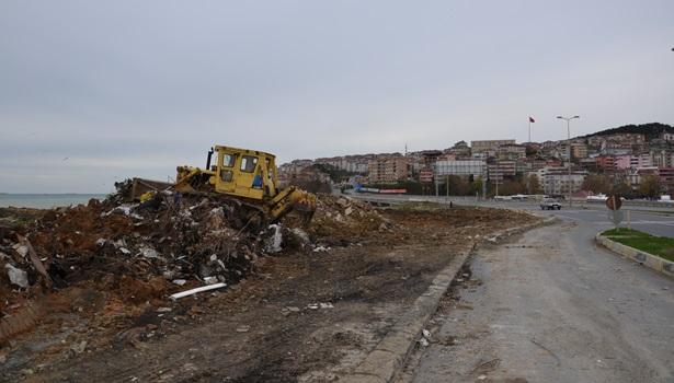 Moloz ve inşaat atıkları temizleniyor