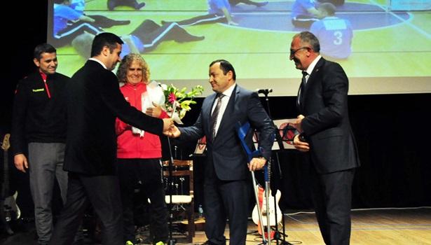 Şampiyon Ereğli Belediye Spor ödüle doymuyor