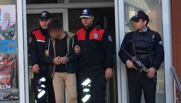 Polis, cezaevi firarisini saklandığı evde kıskıvrak yakaladı