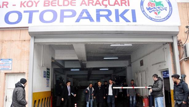 Başkan Uysal, katlı otopark ve pazaryerini gezdi..