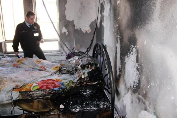 Ereğli´de yangın, kız kardeşleri İtfaiye kurtardı