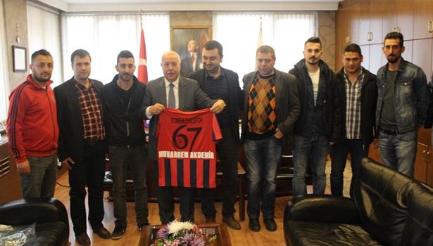 Zonguldakspor amigoları Başkan Akdemir'i ziyaret etti