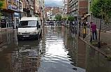 Aniden bastıran yağmur, hayatı olumsuz etkiledi