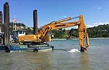 Balıkçı barınağı arındırılıyor