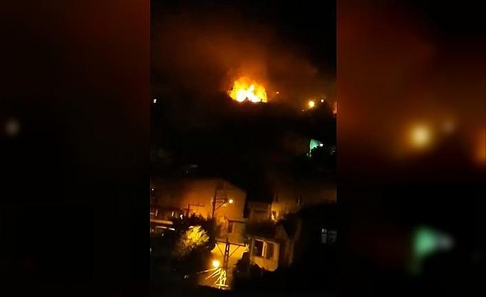 Çatı Katındaki Yangın Korkuttu!..