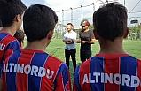 Kesimal'dan Özil'e destek