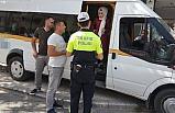 Polislerden öğrenci servislerine denetim