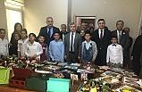 Vali Çınar, yaşlı ve çocuklarla buluştu...