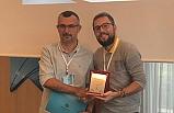 """""""Bilge Araştırmacı"""" ödülü aldı!.."""