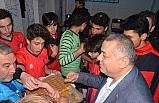 Erdoğan Bıyık'tan sporcu gençlere destek