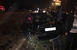 Otomobil traktöre çarptı, 2 yaralı