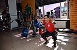 Görme engelli sporcunun azmi başarı getirdi