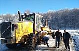 Yığılca'da ekipler yolların kapanması izin vermiyor
