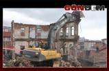 Tehdit oluşturan tarihi yapı yıkıldı