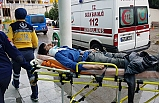 Yolcu otobüsü ile otomobil çarpıştı: 2 yaralı