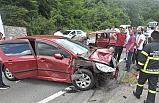 Otomobiller çarpıştı: 1'i ağır 5 kişi yaralandı!..