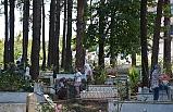 Gülüç halkı mezarlıkları ziyaret etti!..