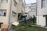 Kamyon eve girdi ev sahipleri deprem sandı
