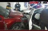 Otomobil benzin istasyonuna daldı: 2 yaralı