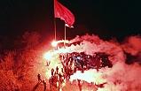 Köylerine dev Türk bayrağı astılar