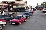 Otomobil tutkunlarından 'Cumhuriyet' konvoyu