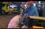 Donmak üzere olan köpeğe esnaftan şefkat eli
