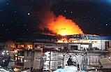 Korkutan fabrika yangını! 5 saatlik çalışmanın ardından söndürüldü