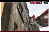 Itfaiye ekipleri çatıya çıktı!
