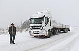 Kar yolda bıraktı!..