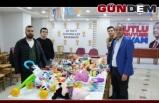 AK Partili gençler depremzede çocukları unutmadı