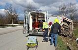 Çöp kamyonu yoldan çıktı: 3 yaralı