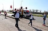 Başkan Demirtaş, sokak sokak gezip çocukları eğlendirdi