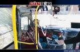 Yolcu minibüsünde korona virüse karşı bölmeli önlem